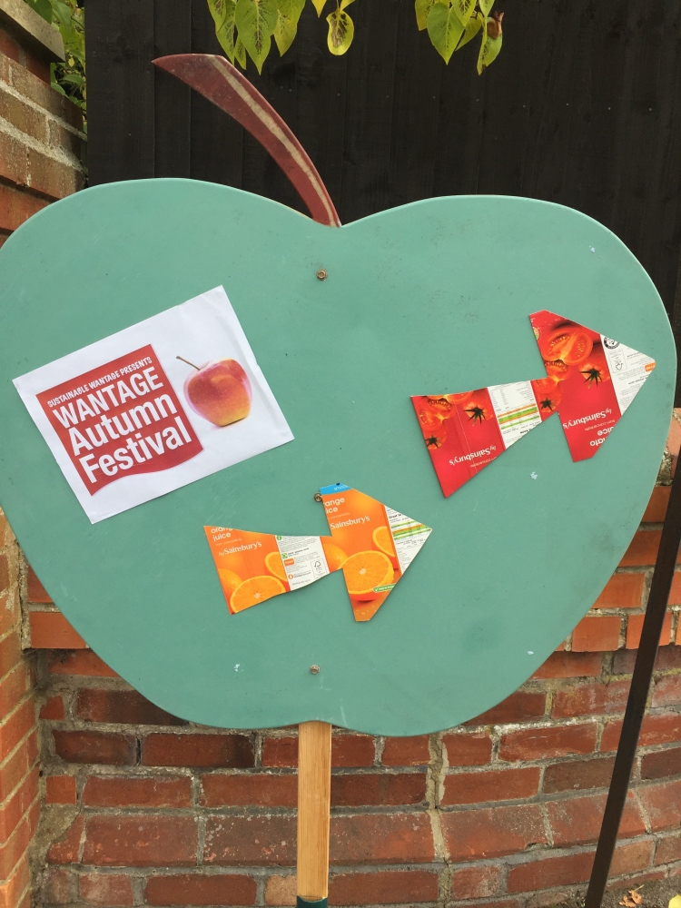 An Autumn Festival - Sustainable And Friendly (1/6)